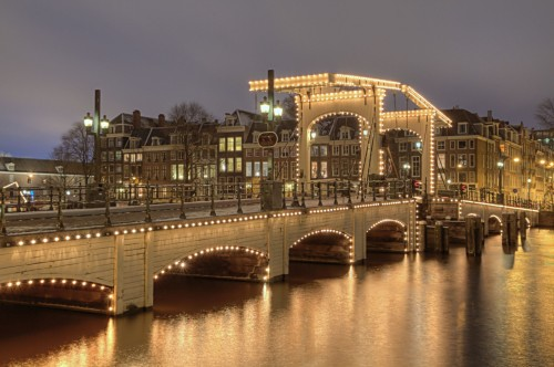 Amsterdam Magere Brug 500x332 綺麗!豪華・絢爛! 世界の夜景 画像集