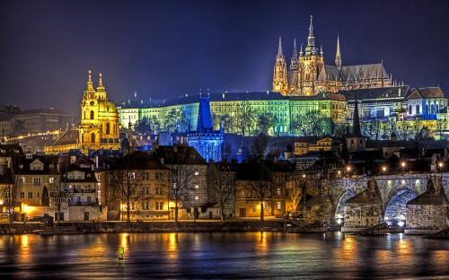 Prague Night view Czech Republic 500x312 綺麗!豪華・絢爛! 世界の夜景 画像集