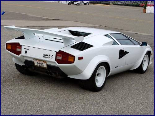 countach 2 500x375 サーキットの狼世代が選ぶ世界のスーパーカー